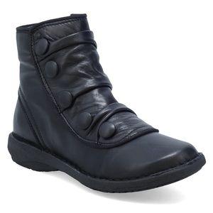 Miz Mooz Pumpkin black leather ankle boots